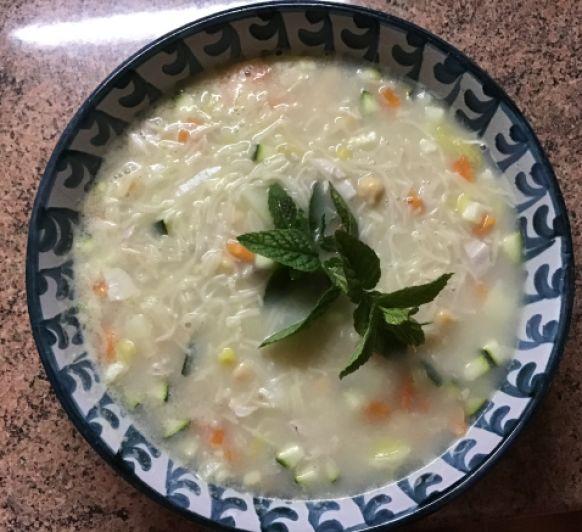 Sopa de puchero con verduras y fideos nº0