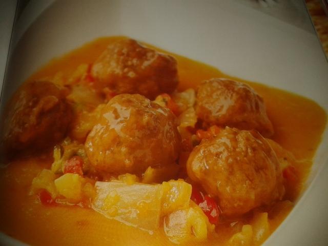 Albóndigas de ternera en salsa de verduras