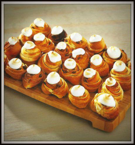 Receta de Minicaracolas con pepitas de chocolate y merengue con Thermomix®
