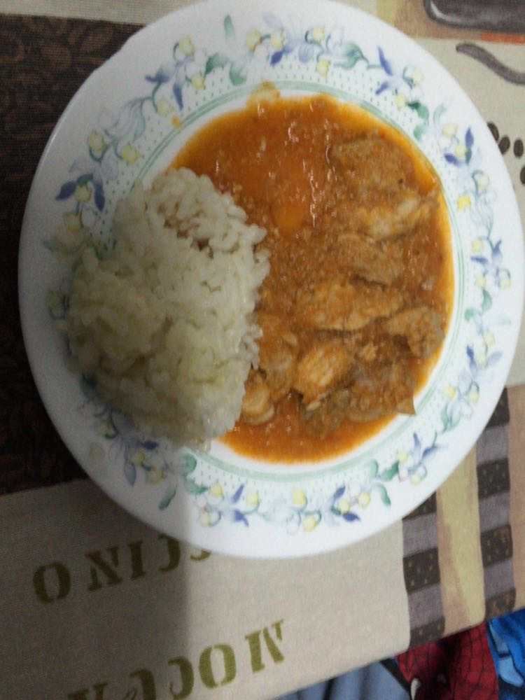 Magro con tomate y guarnicion de arroz Thermomix®