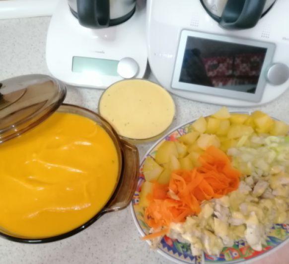 Menú completo de crema de verduras, pollo con salsa suprema y patatas, todo hecho de una sola vez en mi Thermomix® tm6 Málaga