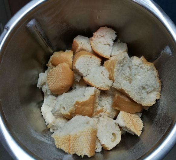 Pan rallado y pollo frito super crujiente