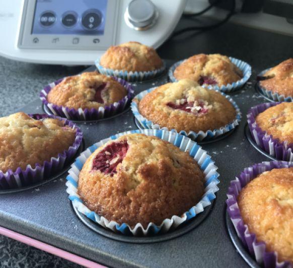 Muffins de frutos rojos y copos de avena