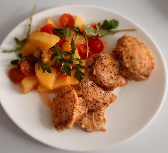 pollo con ensalada templada de patatas