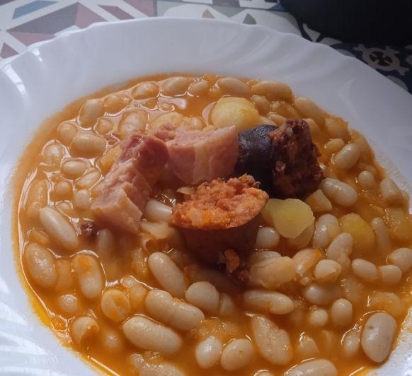 Potaje de judías con COPANGO ASTURIANO y patatas.