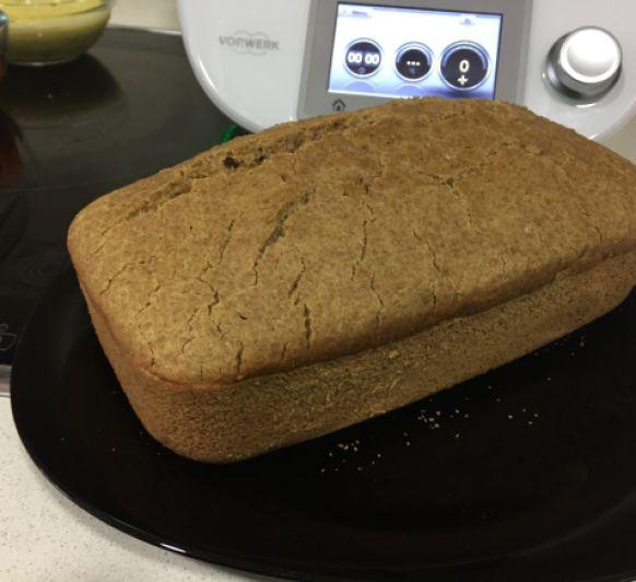Pan de centeno, harina de arroz y harina de garbanzos sin levadura