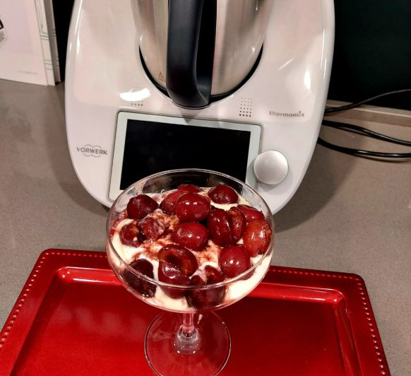 Fresas con mousse de queso y chocolate blanco (Al vacío)