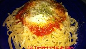 Espaguetis con salsa de Tomate a la Albahaca