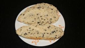 Pan provenzal con aceitunas negras